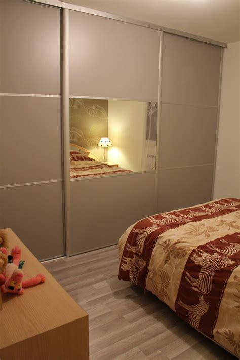 les chambre a coucher cuisine les portes en bois des placards dans la chambre ã