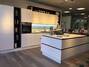 nuovo allestimento veneta cucine centomo arredamenti With allestimento cucine moderne