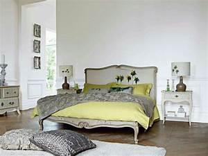 Lit Style Baroque : le lit roche bobois est un meuble joli et original ~ Teatrodelosmanantiales.com Idées de Décoration