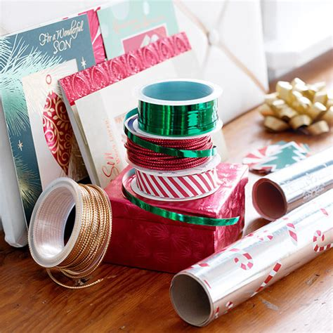 how to wrap christmas presents how to wrap christmas presents 10 gift wrapping tips tricks hallmark ideas inspiration