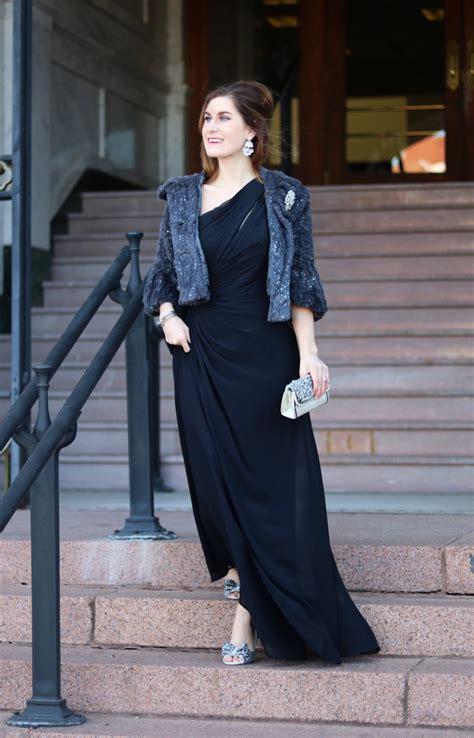 decoding  dress code   wear   formal event
