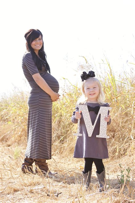 cute   include siblings  maternity photo family