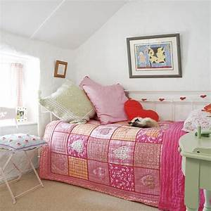 Pink and green girl39s bedroom bedrooms design ideas for Pics of small bedrooms of girls