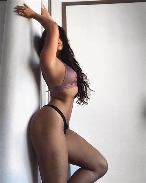 Emily Rinaudo Nude And Sexy Pictures 49 Pics Sexy Youtubers