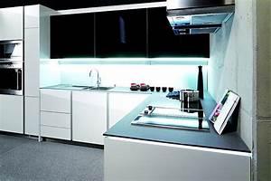 L Form Küche : grifflose l form k che integra altea in wei und schwarz ~ Lizthompson.info Haus und Dekorationen