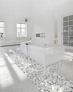salle de bain pierre et bois une beaute naturelle With salle de bain design avec décoration végétale intérieur