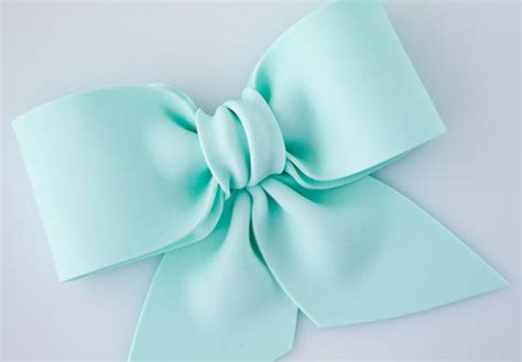 make a bow bake eat love how to make a gum paste fondant bow