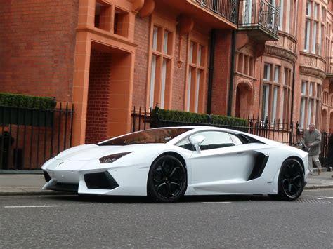 Lamborghini Aventador White Lp700-4