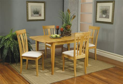 what is a butterfly leaf on a dining room table 5 piece butterfly leaf dining set in maple finish by