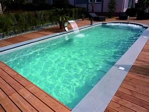 Pool Mit Holz : poolumrandung holz wasserspiel schwimmbecken rechteckig rand naturstein beleuchtung pool in ~ Orissabook.com Haus und Dekorationen