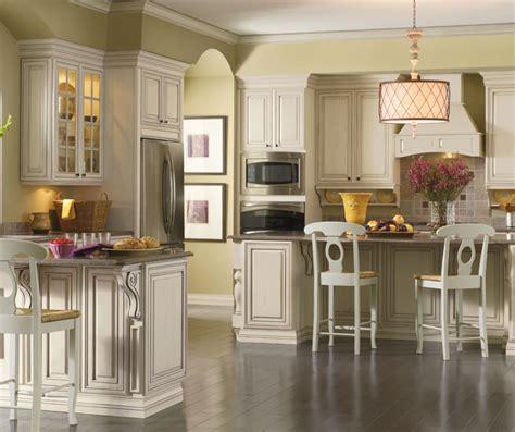 cream cabinets  glaze kemper cabinetry