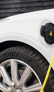 Volvo V90 Recharge T6 hybrid range, MPG, CO2 and charging ...