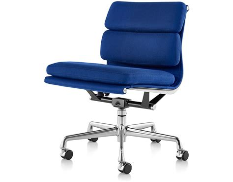 eames 174 soft pad management chair with no arms