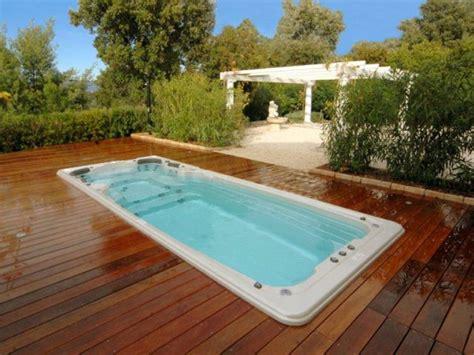 un spa de nage dans jardin en 24h chrono maisonapart
