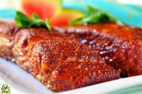 cooking salmon in oven easy oven baked salmon this mama cooks on a diet