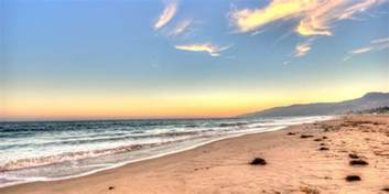 Gerard Butler spotted at Malibu Beach – Gerard Butler Fan Club