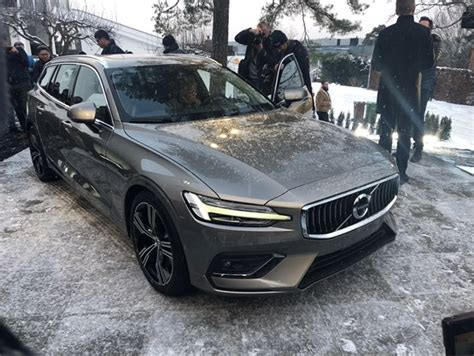 First Look New Volvo V60 Price, Specs And Co2 Emissions