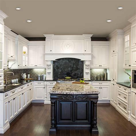 cuisine classique blanche cuisine blanche classique avec ilot brun et comptoir de