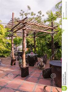 Pergola En Bambou : secteur en bambou d 39 abri au repos de jardin botanique ~ Premium-room.com Idées de Décoration