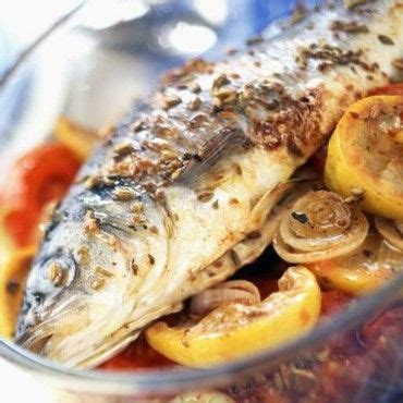 cuisine bar poisson bar au four citron oignons et tomates recette oignons