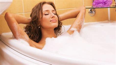 hot shower benefit 50 healthy benefits on hot shower vs cold shower