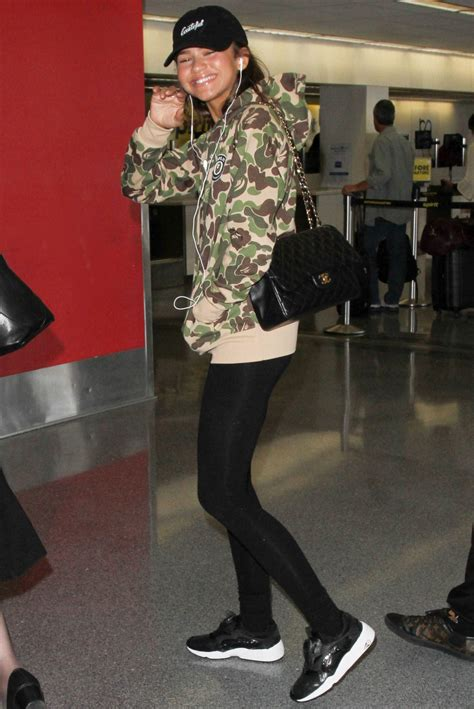 celebrity approved handbags   airport instylecom