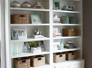 The yellow cape cod four simple steps to a great bookcase for Interior design bookshelf arrangement