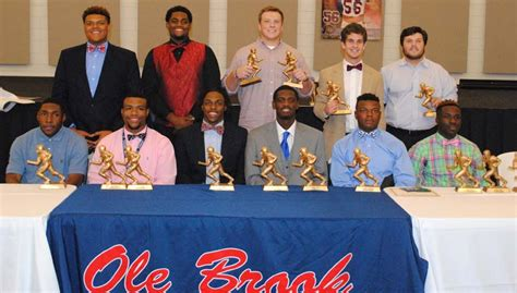 Bhs Banquet Honors Football Players, Cheerleaders