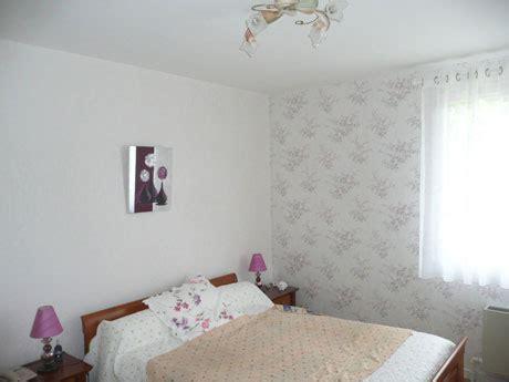 papier chambre adulte décoration chambre adulte papier peint