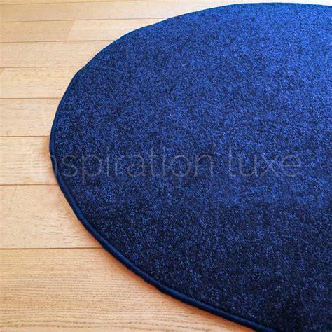tapis rond sur mesure bleu fin