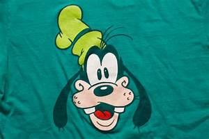 Goofy Character T-Shirt, Walt Disney Cartoon Head, Hanes