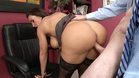 Lisa Is Makes Pounding With Her Employee