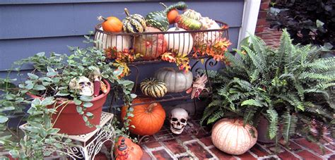 Time for Outdoor Halloween Decor « Bombay Outdoors