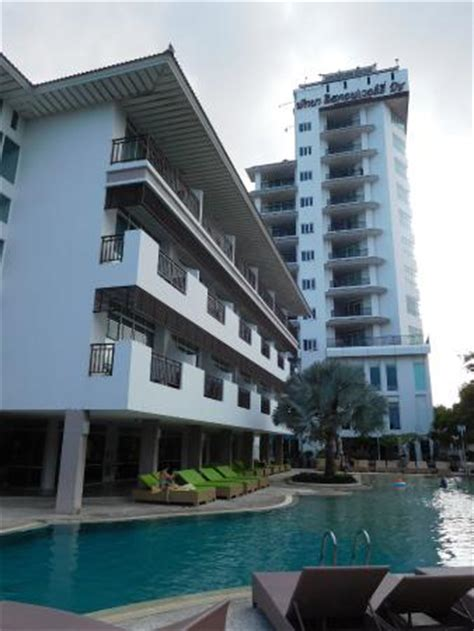 Picture Of Pattaya Discovery Beach Hotel