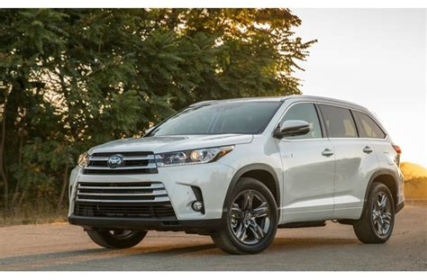 Best Fuel Efficient Vehicles by 15 Most Fuel Efficient 3 Row Suvs Of 2018 U S News