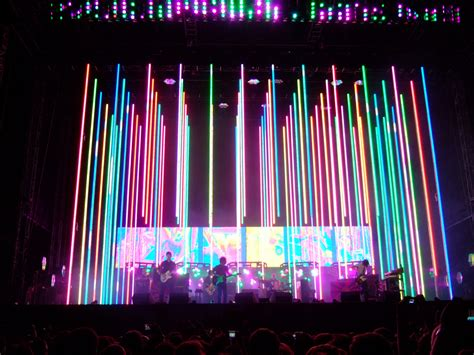radiohead concert stage dangling lights politusic