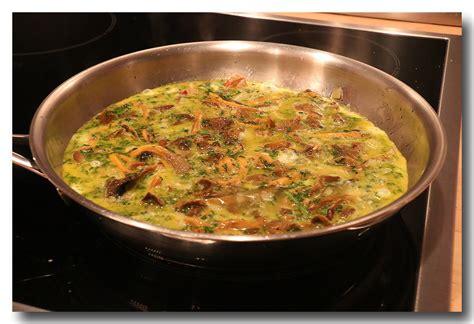 cuisiner chanterelles omelette aux chanterelles la cuisine d 39 olivier