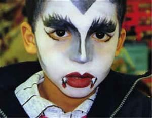 Maquillage Halloween Garcon : maquillage vampire enfant fille exemple de maquillage pour ~ Melissatoandfro.com Idées de Décoration