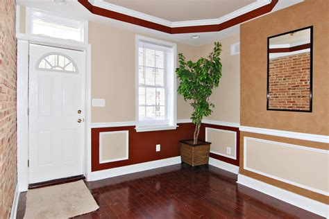 Painting Ideas For Two Tone Walls With Chair Rail