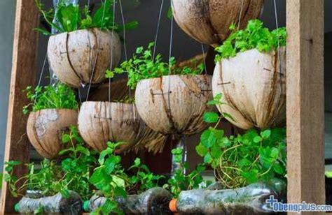daur ulang barang bekas  kebun vertikal