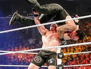 WWE SummerSlam Highlights: Stephen Amell, The Undertaker ...
