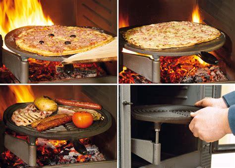 feu de cuisine cuisine feu de bois cuisson avec les plateaux culinaires