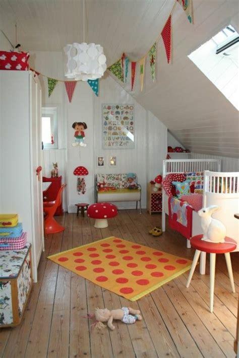 Ideen Für Kinderzimmer Mit Dachschräge by Kinderzimmer Dachschr 228 Ge Ideen