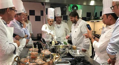 cours de cuisine ritz 50 000 cours de cuisine sont donnés par an à