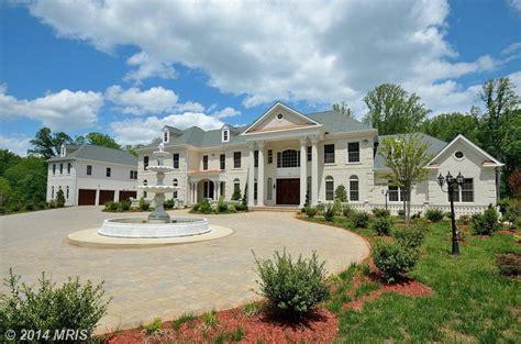 newly built  square foot colonial mansion  great falls va homes   rich