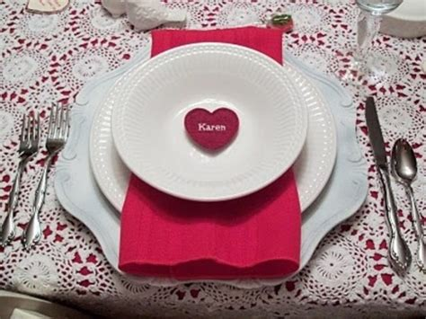 romantic valentines day table settings digsdigs