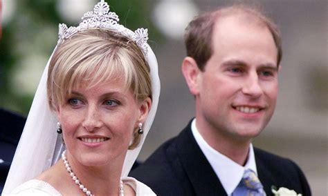 The Countess of Wessex's wedding dress designer explains ...