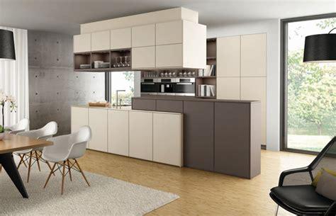 meuble bar separation cuisine americaine tendenze elementi di design fust shop per