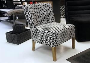 Comment Nettoyer Un Canapé En Velours : nettoyer un fauteuil en tissu comment nettoyer un fauteuil en tissu 4 pieds tables chaises et ~ Dode.kayakingforconservation.com Idées de Décoration