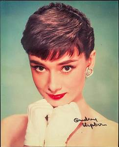 Audrey Hepburn Lovely Signed Color Publicity Photo From ROMA
